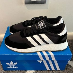 Womens adidas black and white shoes